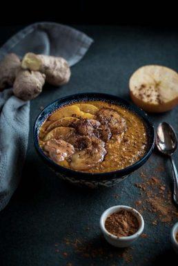 Ayurvedisches Frühstück: Kurkuma-Porridge