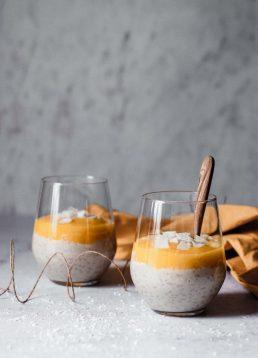 Kokos-Milchreis mit Mangopüree – die Ayurvedische Morgenroutine